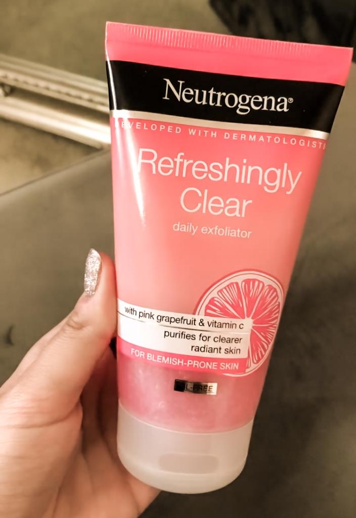 Nutrogena Refreshingly Clear Daily Exfoliator
